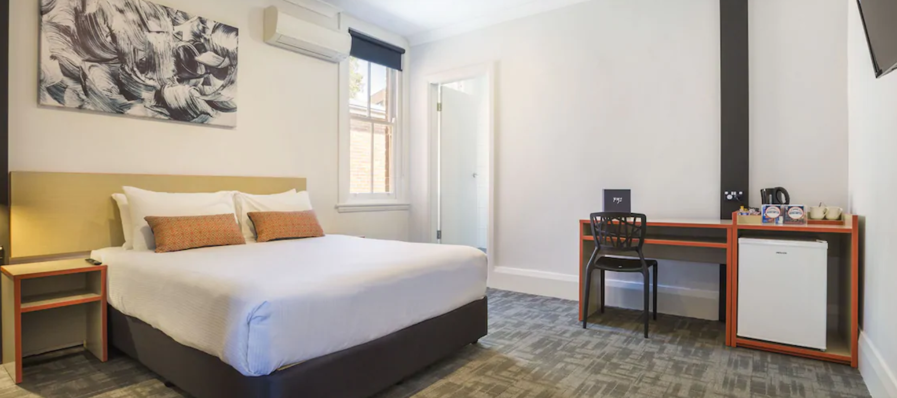 Book hotels under $99 a night from Wotif